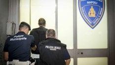 Falsi incidenti stradali: 100 euro per una testimonianza. 18 avvocati ai domiciliari a Napoli