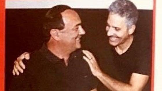 """""""Sei stato scomodo perché hai il volto della Calabria giusta"""": l'abbraccio di Fiorello a Mimmo Lucano"""
