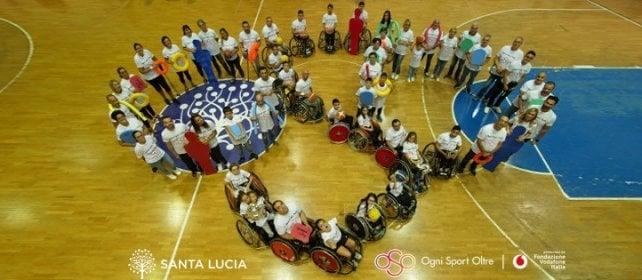 Sport per tutti: i campioni paralimpici scendono in campo per allenare bambini disabili