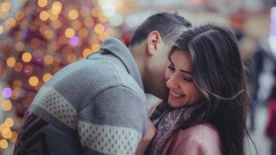 In amore c'è chi punta sull'ironia, ma funziona solo se il partner è ben disposto