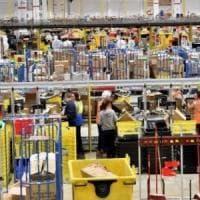 I dipendenti di Amazon a Bezos: stop alla vendita di software alle forze dell'ordine
