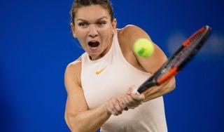 Tennis, Wta: Halep annuncia forfait alle Finals. Fognini avanza a Stoccolma
