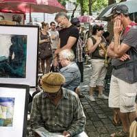 Montmartre sta perdendo il suo volto. Turismo di massa e immobili alle stelle scacciano abitanti e bohémien