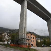 """Viadotti A24-A25, l'affondo del ministero: """"Strada dei Parchi limiti il traffico"""""""