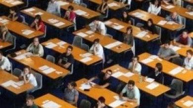 Scuola, al via la prova scritta per novemila aspiranti presidi. Ma è caos ricorsi
