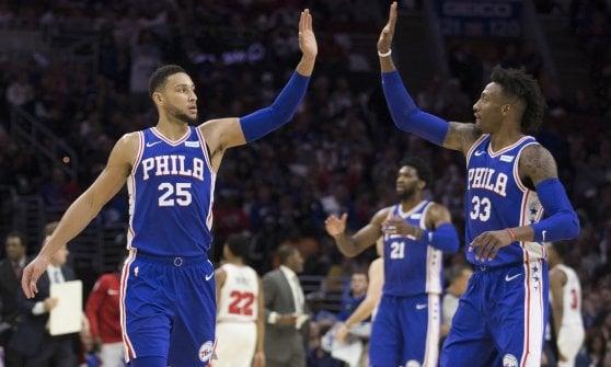 Basket, Nba: Portland rovina il debutto di LeBron con i Lakers, ok Miami e Philadelphia