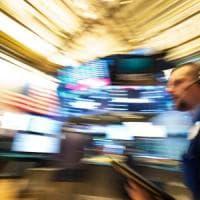 Investitori stranieri, riparte l'uscita dall'Italia: ad agosto via più di 17 miliardi