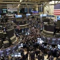 Se nelle sale operative si torna a ragionare del rischio uscita dall'euro