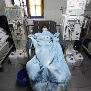 Residente medico che risale un infermiere