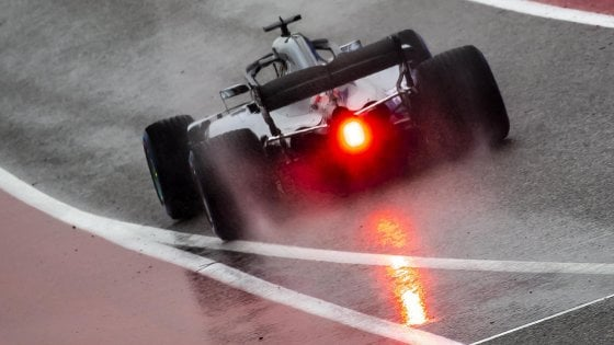 F1 Gp Usa dominio Mercedes nelle prime libere bagnate