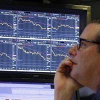 """Moody's taglia il rating. L'Italia declassata a Baa3: """"Il deficit aumenterà molto mentre..."""