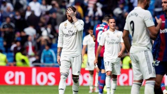 Spagna, crisi Real: 1-2 contro il Levante, Lopetegui al capolinea. Barça in vetta, ma Messi si fa male