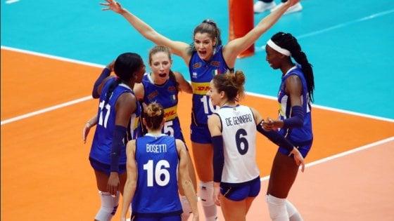"""""""Ci avete fatto sognare"""": il grazie dei social alle azzurre del volley argento al Mondiale"""
