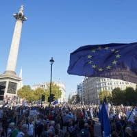 Brexit, 500mila in piazza per un secondo referendum. Ian Mc Ewan tra i manifestanti