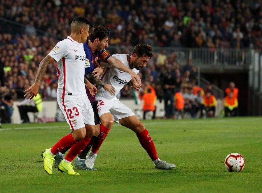 Barcellona, Messi frattura un braccio: salterà Inter e Clasico col Real