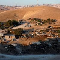 Israele rinvia la demolizione della