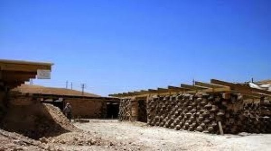 """Israele rinvia la demolizione della """"Scuola delle gomme"""""""