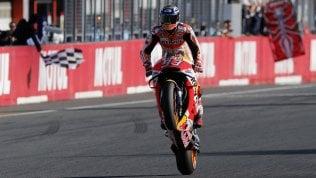 Dovizioso cade, Marquez trionfa ed è campione del mondo cronaca foto