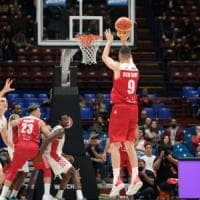 Basket, Serie A: Milano e Venezia a punteggio pieno, colpi esterni di Bologna, Sassari e Torino