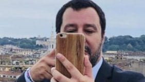 Le tecniche di Matteo Salvini per avere la tua attenzione (di Roberto Saviano)