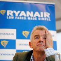 Ryanair, utili in calo per scioperi e caro-carburante