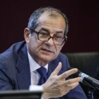 """Manovra, l'Italia risponde alla Ue: """"Consapevoli di non essere in linea con le regole, ma..."""