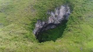 Scoperta caverna gigantesca:lo spettacolo del fiume nascosto