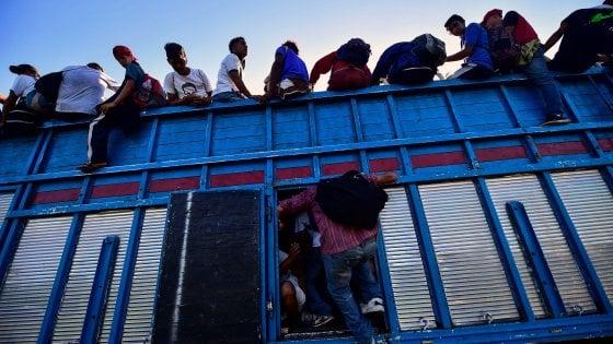 Carovana dei migranti, in 7.000 sono entrati in Messico
