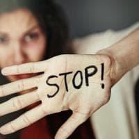 Violenza sulle donne, un anello per dire