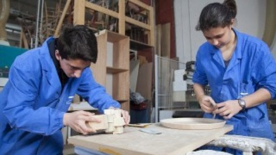 Artigiani Del Legno A Palermo.L Accademia Del Legno La Palestra Per Giovani Futuri