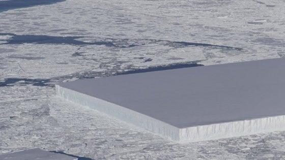 La Nasa ha fotografato un iceberg perfettamente quadrato