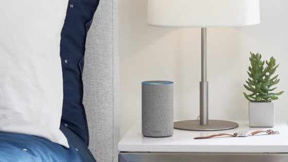 Echo, l'altoparlante smart di Amazon arriva in Italia