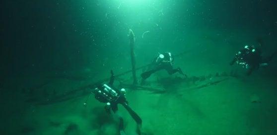 Negli abissi del Mar Nero il relitto intatto più antico al mondo