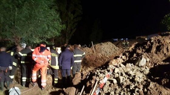 Frana nel Crotonese, quattro morti: stavano riparando una condotta fognaria