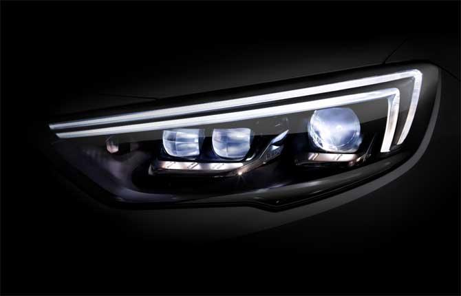 Opel IntelliLux Led, il buio non fa più paura