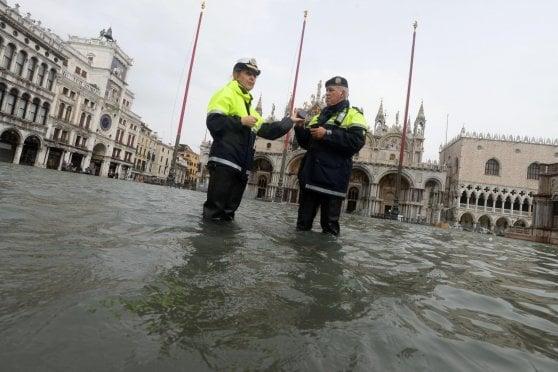 Maltempo in tutta Italia, sette vittime nel Lazio, a Savona, in Veneto, a Bolzano e a Napoli