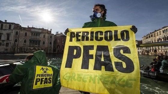 """Veneto, sulla direttiva acque la rabbia delle """"Mamme No Pfas"""""""