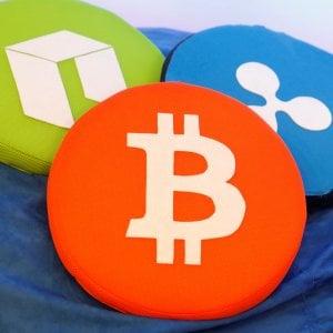 Bitcoin celebra dieci anni