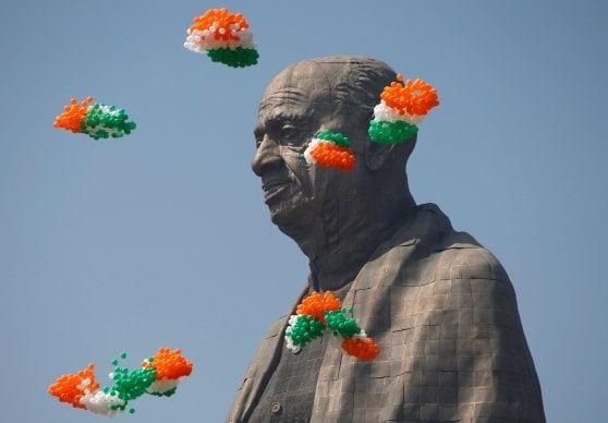 India, inaugurata la statua più alta al mondo: 182 metri