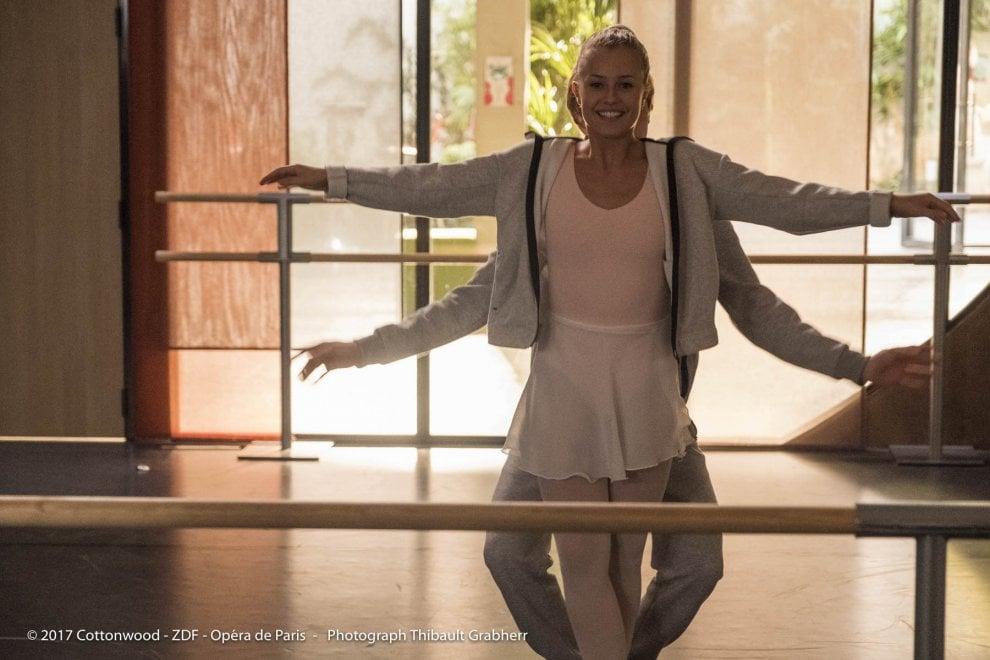 'Cercami a Parigi', la nuova serie sulla danza che viaggia nel tempo tra classica e hip