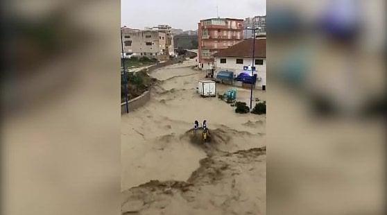 Maltempo, continua l'allerta in molte regioni. Esondazioni in Sicilia, ancora colpito il Veneto