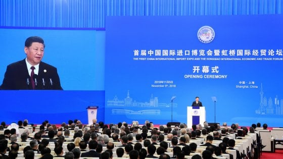 Di Maio in Cina, gaffe sul presidente