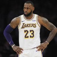 Basket, Nba: Toronto mette sotto anche i Lakers, agli Spurs non basta Belinelli