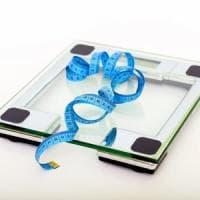 Dieta, è vero che pesarsi ogni giorno aiuta a dimagrire