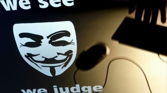 Nuovo attacco di Anonymous Italia: diffusi i dati di ministeri e polizia