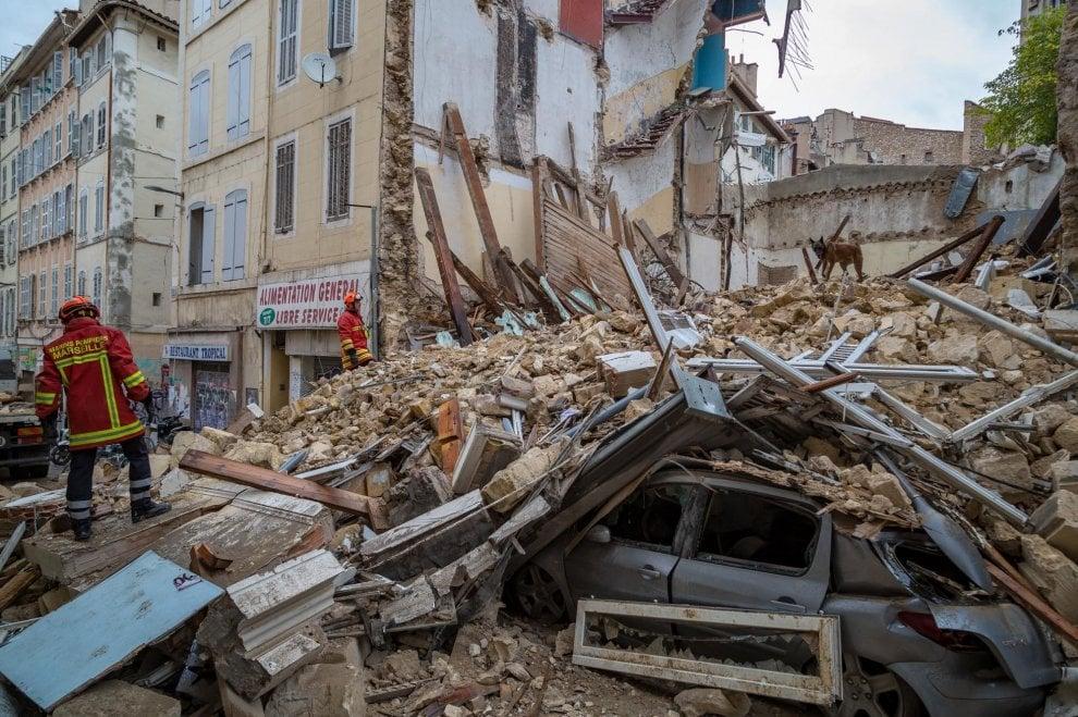 Tragedia a Marsiglia, anche un'italiana tra le macerie