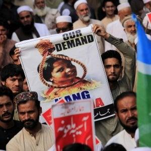 """Il marito di Asia Bibi fa appello all'Italia: """"Ci aiuti a uscire dal Pakistan"""""""