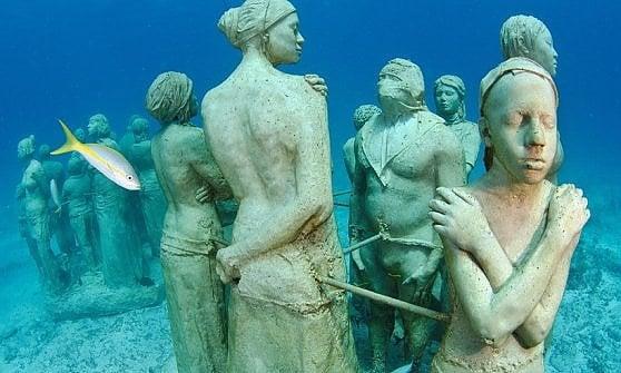 Crimea, Maldive o Florida. Quando i fondali si riempiono di opere d'arte