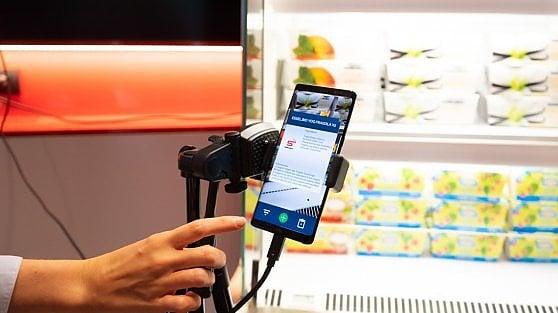 """Una giornata """"veloce"""" a Milano: Vodafone accende il 5G"""