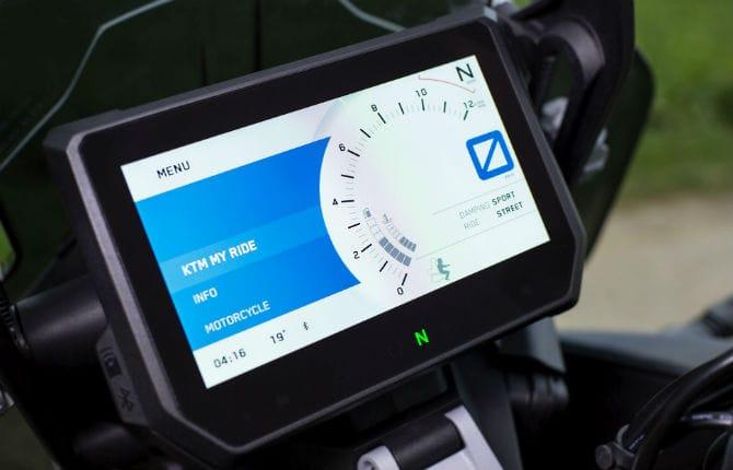 Bosch, tecnologia smart per le due ruote